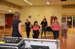 Heerlijk leren swingen op latin muziek met vrienden en vriendinnen in de hal van het Meester Siebelinkhuis van 19.30 – 21.30 uur.