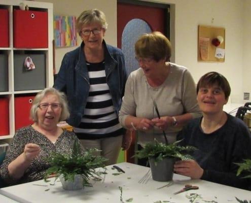 Binnenkort gaan we weer van start met een kortlopende cursus bloemschikken in het Meester Siebelinkhuis, die plaats vindt van 19.00 tot 21.00 uur op de volgende avonden: